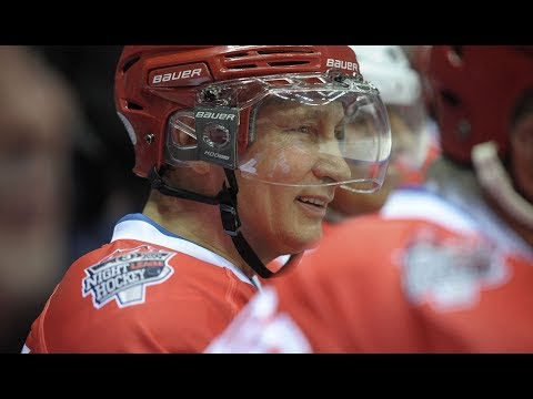 Video: Putin hits the ice to compete with legendary hockey players