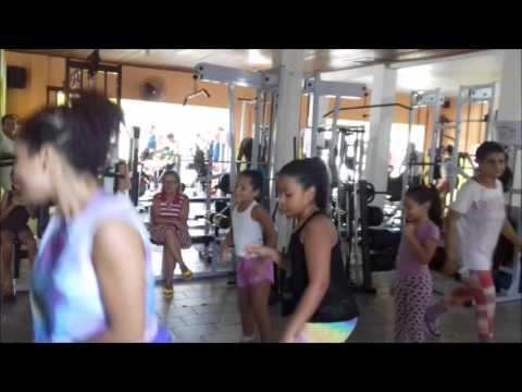 (TV UR) Aula de Zumba Infantil na Academia Physical Center em Ubatã-Ba