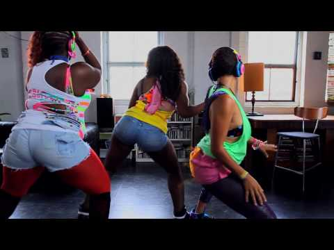 KillaQueenz & South Rakkas Crew Feat. Lady Chann - Double Up