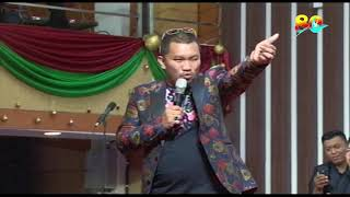 Download Video Mongol Stres Stand Up Comedy - Perayaan Natal 2017 & 80 tahun GPdI Palembang MP3 3GP MP4