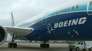 Go inside Boeing's new 787 Dreamliner - YouTube