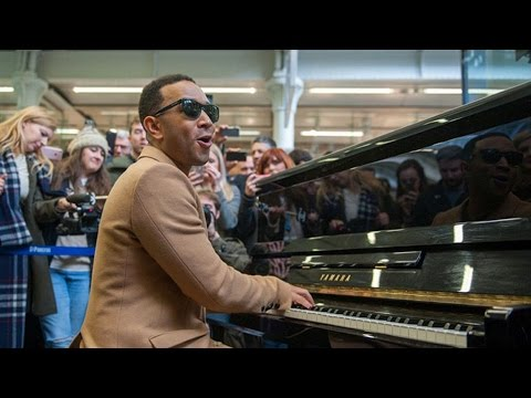 John Legend plays Surefire on piano at St Pancras International | Magic Radio