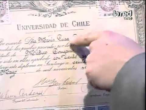 Dra Cordero lleva su título profesional al estudio para desmentir lo titulado por Cambio 21