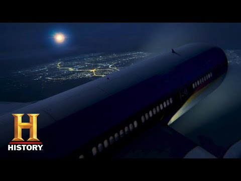 Unidentified: UFO CLOSES IN ON PACKED PLANE **35,000 ft high** (Season 2) | History