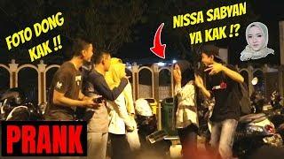 Video KAMU NISSA SABYAN YA?! Unexpected reaction | Prank Indonesia MP3, 3GP, MP4, WEBM, AVI, FLV Desember 2018
