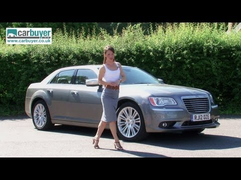 Chrysler 300C saloon review – CarBuyer