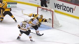 Casey DeSmith lays out for superb glove grab by NHL