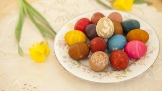 Colorer des œufs de Pâques