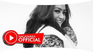 Video Siti Badriah - Mama Minta Pulsa - Official Music Video - NAGASWARA MP3, 3GP, MP4, WEBM, AVI, FLV Juli 2018