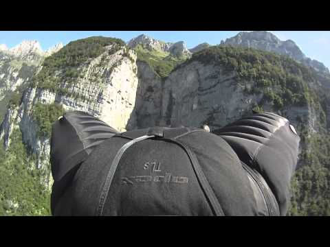 Jeb Corliss: Grinding The Crack (Wingsuit Gliding)