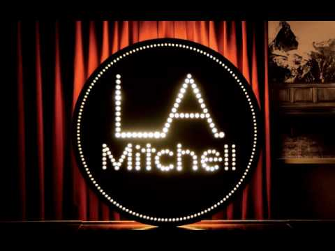 LA Mitchell - L.A.Mitchell and the Nativa band performing Hall & Oates classic