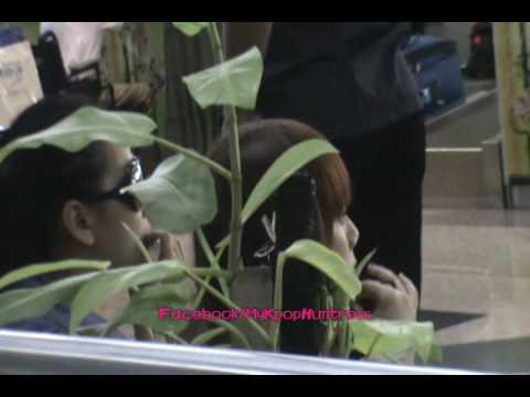 [Fancam] 100802 Wonder Girls for MTV World Stage in Malaysia - KLIA [2]