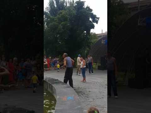 """З Луганська з'явилося відео, як елітні, бойові підрозділи """"лнр"""" відзначали день десантника"""