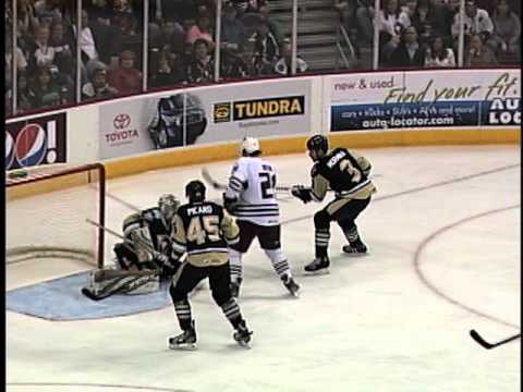 Cameron Schilling - Hershey drops the Wilkes-Barre/Sctaton Penguins 4-1.