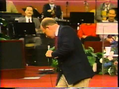 eden512 - John Starnes ministering at Jimmy Swaggart Bible Collge Chapel on April, 6, 1988.