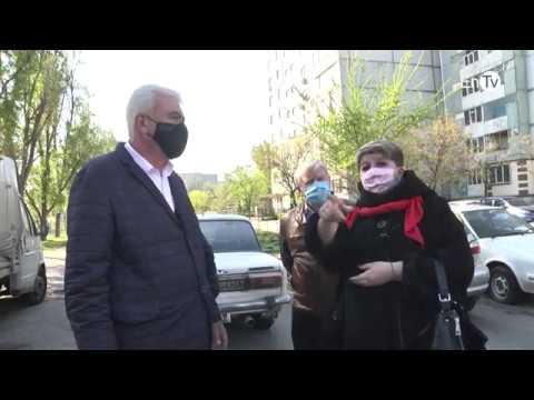 """В Энергодаре за неделю КП """"Горзеленстрой"""" дезинфицирует 270 тысяч кв. метров бетонных дорожек"""