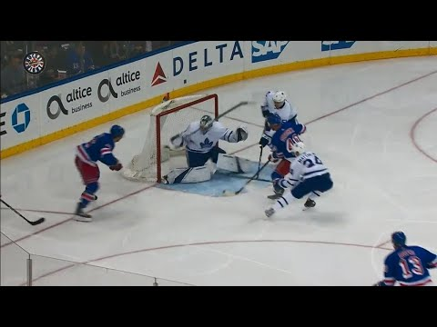 Video: Rangers' Vesey scores after miscue by Maple Leafs