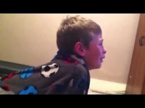 РОДИТЕЛИ УНИЧТОЖАЮТ ДЕТЯМ ЭЛЕКТРОНИКУ! (видео)