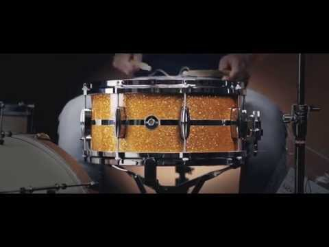 Q Drum Co. 14x6.5 Gold Glitter Snare Drum w/ Polished Aluminium Inlay