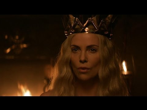 The Huntsman: Winter's War (Featurette 'Costumes')