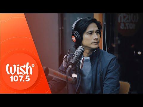 """Piolo Pascual performs """"Iiyak sa Ulan"""" LIVE on Wish 107.5 Bus"""