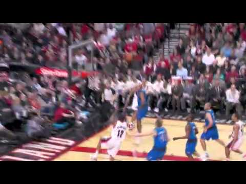 Batum to Aldridge alley-oop dunk against Mavericks