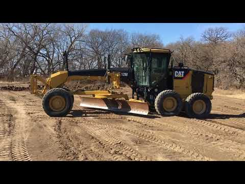 CATERPILLAR MOTONIVELADORAS 12M equipment video T_Fod10Pk4E
