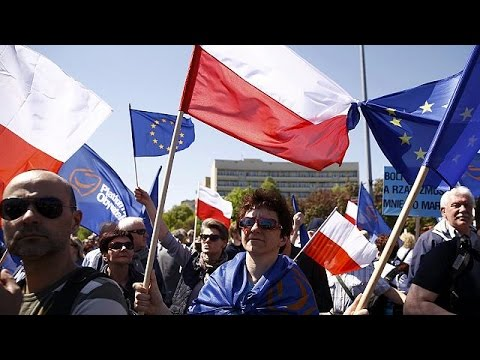 Πολωνία: Διαδηλώσεις υπέρ και κατά της κυβέρνησης