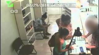 RAW: Jewelry Thieves Caught On Camera