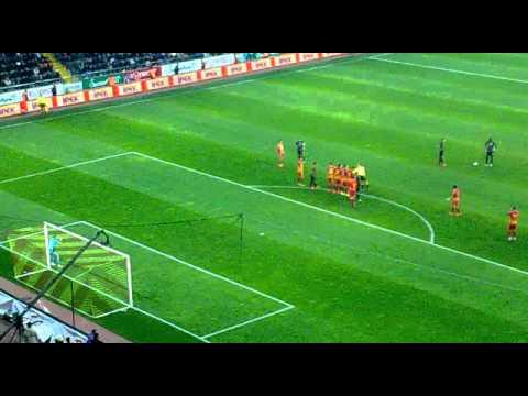 Drogba Freekick Goal ! ( Stadium Live ) - Galatasaray 4-2 Kayserispor 27.10.2013 (видео)