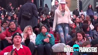 Video Girl Walks Around NYC With No Pants! MP3, 3GP, MP4, WEBM, AVI, FLV Desember 2018