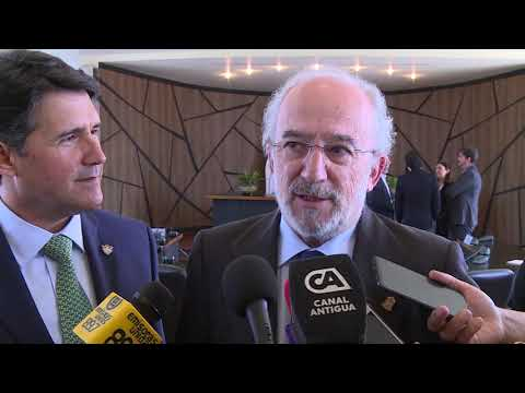 Santiago Muñoz reconocido como Visitante Distinguido