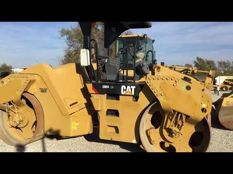 CATERPILLAR TAMBOR DOBLE VIBRATORIO ASFALTO CB54XW equipment video Tc4y8GaBhno