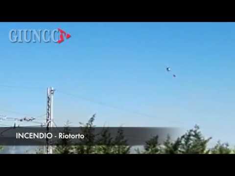 L'incendio che ha bloccato l'Aurelia: ecco in azione l'elicottero