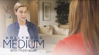 Video Tyler Uses Unique Method to Connect to Carnie's Relatives | Hollywood Medium with Tyler Henry | E! MP3, 3GP, MP4, WEBM, AVI, FLV September 2018
