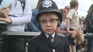 London's Metropolitan Police granted the wishes of a little boy longing to become a policeman. Report by Charlotte Brehaut.