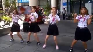 Download Lagu Oh Oh Oh Khmer Remix Dancing With Funny Mp3