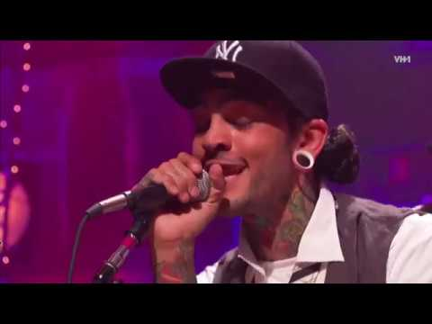 Gym Class Heroes - Clothes Off! (feat. Patrick Stump) (Live) 2012