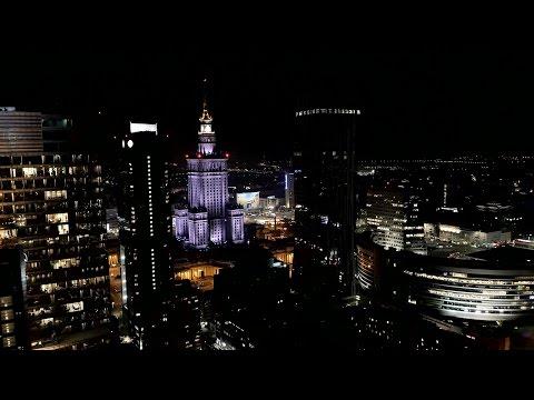 Warszawa z drona nocą
