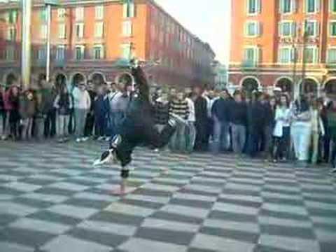 Break dance a Nice sur la place masséna