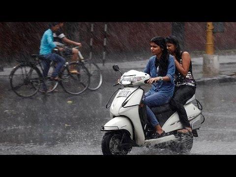 Ινδία: Δεκάδες νεκροί από κεραυνούς