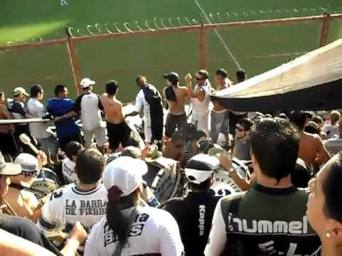 LA MEJOR HINCHADA DE ARGENTINA LA 22... - La Banda de Fierro 22 - Gimnasia y Esgrima