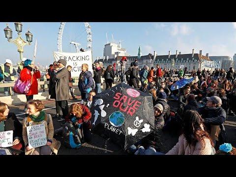 Λονδίνο: Απέκλεισαν γέφυρες για την κλιματική αλλαγή