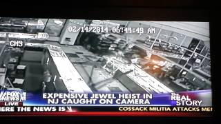 Jewel Thieves Caught On Camera