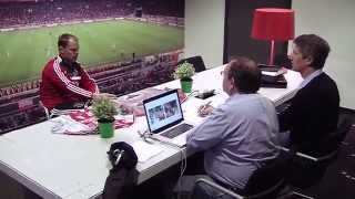 Frank de Boer (und Spieler) werden furchtbare neue Dressen vorgestellt