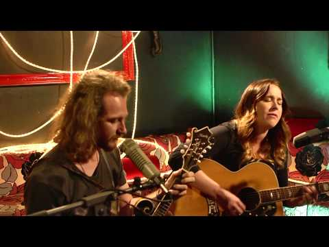 theMusic Session: Catherine Britt - Charlestown Road