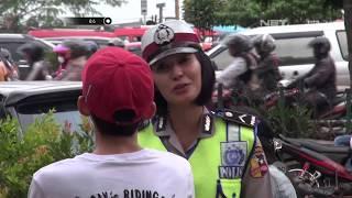 Video Pria Ini Berusaha Membohongi Polisi Dengan Menyuruh Orang Lain Menjadi Ibunya - 86 MP3, 3GP, MP4, WEBM, AVI, FLV Agustus 2018