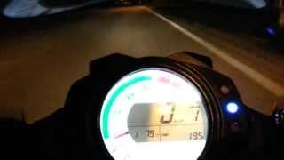 Kawasaki wykręca 300 km/h w niecałe 13 sekund! Jeden z najszybszych motocykli jakie wyprodukowano!