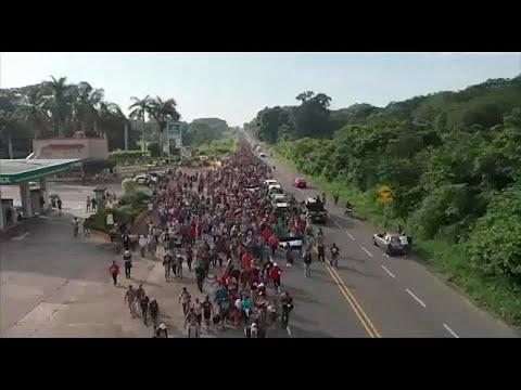 Συνεχίζει το ταξίδι στην Κ. Αμερική το καραβάνι των προσφύγων …