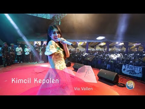 Video Via Vallen - Kimcil Kepolen (Live in Dondang - Samarinda - Kalimantan Timur) download in MP3, 3GP, MP4, WEBM, AVI, FLV January 2017